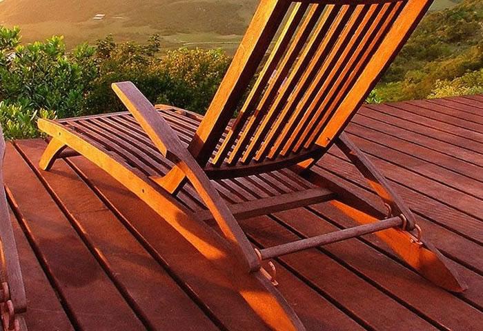 Como conservar móveis de madeira